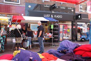 """LIJST & KADO """"lijstenmakerij, wenskaarten en kado winkel in Leiden"""""""